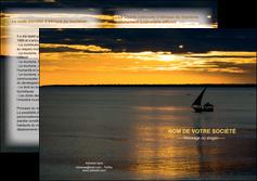 faire depliant 2 volets  4 pages  sejours pirogue couche de soleil mer MLGI36918