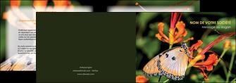 creation graphique en ligne depliant 2 volets  4 pages  belle photo de papillon macro couleur MLGI36998