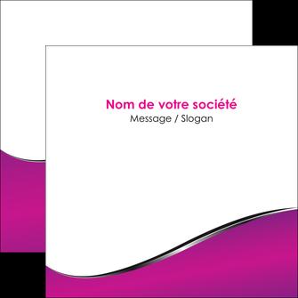 realiser flyers violet fond violet colore MLIG58660