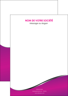 cree flyers violet fond violet colore MLIG58674