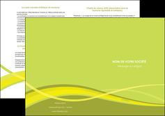 exemple depliant 2 volets  4 pages  espaces verts vert vert pastel fond vert MIF58748