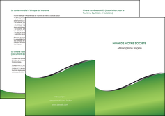 modele depliant 2 volets  4 pages  vert fond vert colore MLGI59280