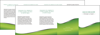 maquette en ligne a personnaliser depliant 4 volets  8 pages  vert fond vert colore MIF59288
