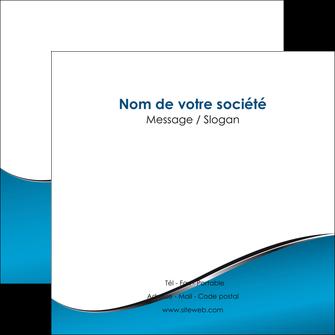 cree flyers bleu bleu pastel fond bleu MLIG59384