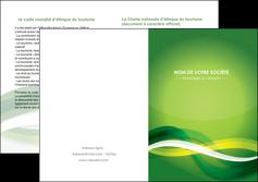creation graphique en ligne depliant 2 volets  4 pages  vert verte fond vert MLGI64772