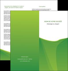 exemple depliant 2 volets  4 pages  espaces verts vert fond vert couleur MLGI67184