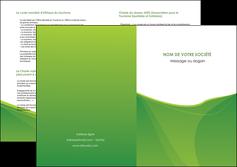 personnaliser modele de depliant 2 volets  4 pages  espaces verts vert fond vert couleur MLGI67196