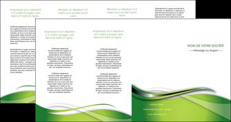 maquette en ligne a personnaliser depliant 4 volets  8 pages  web design vert fond vert verte MLGI73102